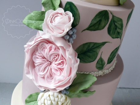 Painted big blooms wedding cake
