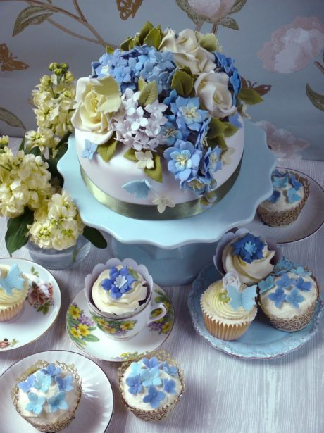 Blue wedding cup cakes